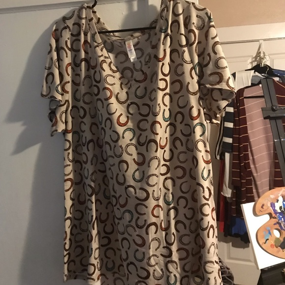 LuLaRoe Tops - 2X Christy T
